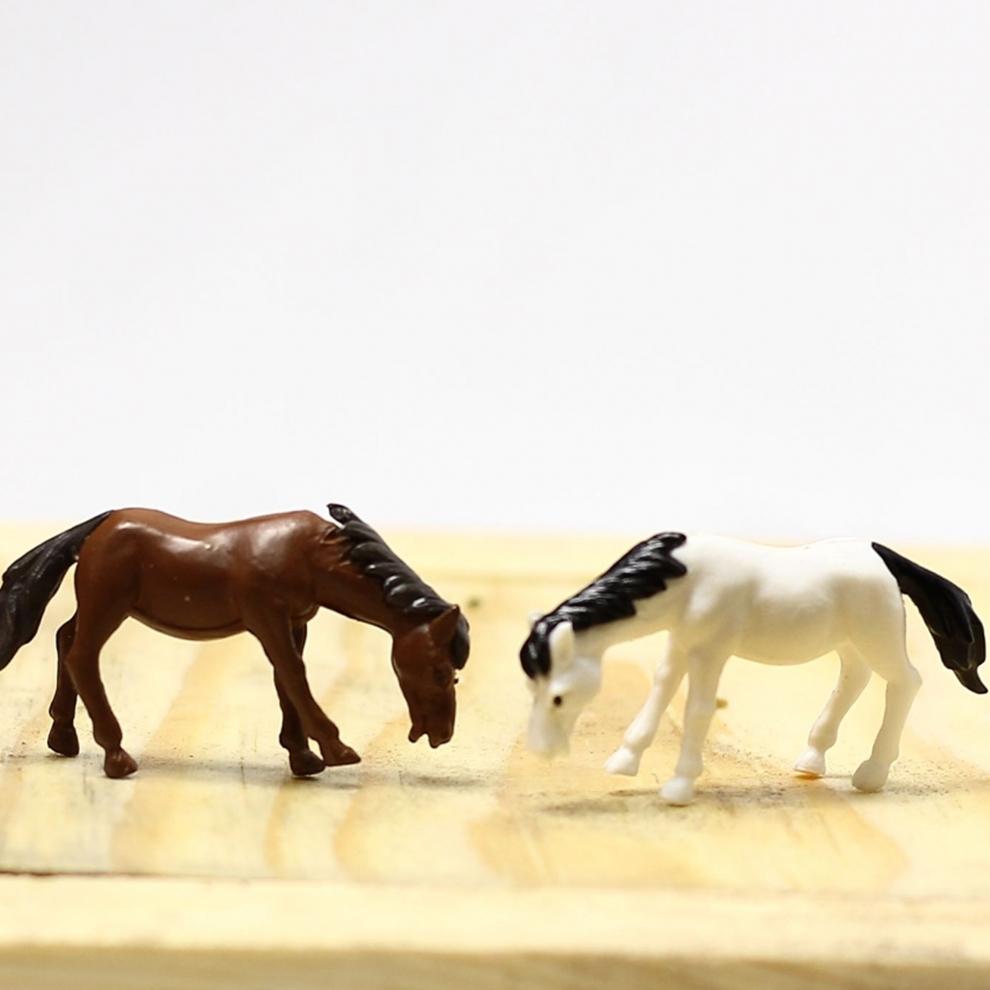Minyatür At Figürü