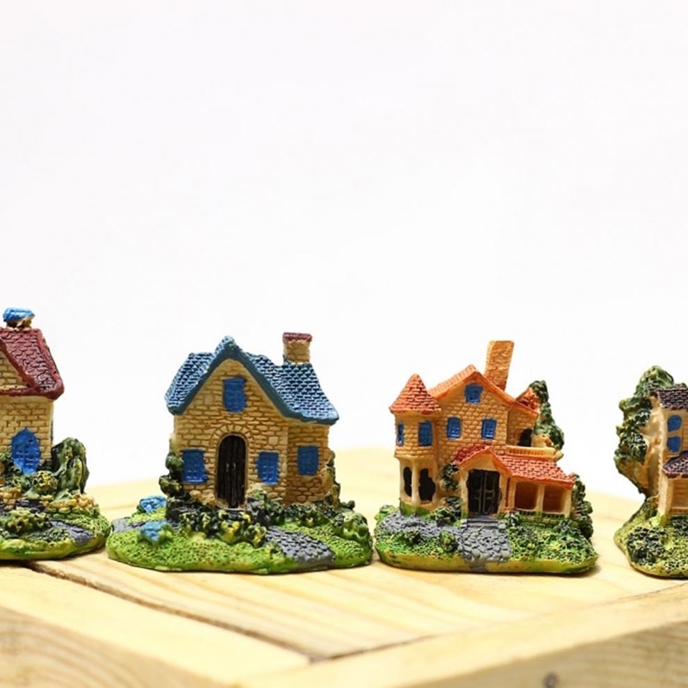Minyatür Ev Figürü